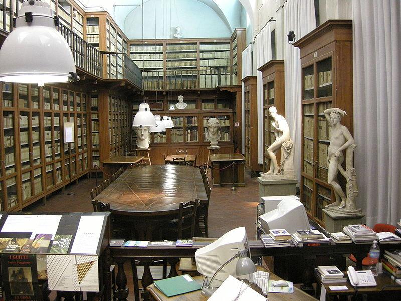 800px-Accademia_di_firenze_biblioteca_03[1]